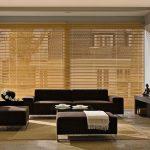 Horizontal-Jalousien aus Holz, Faltrollo und Roll Up